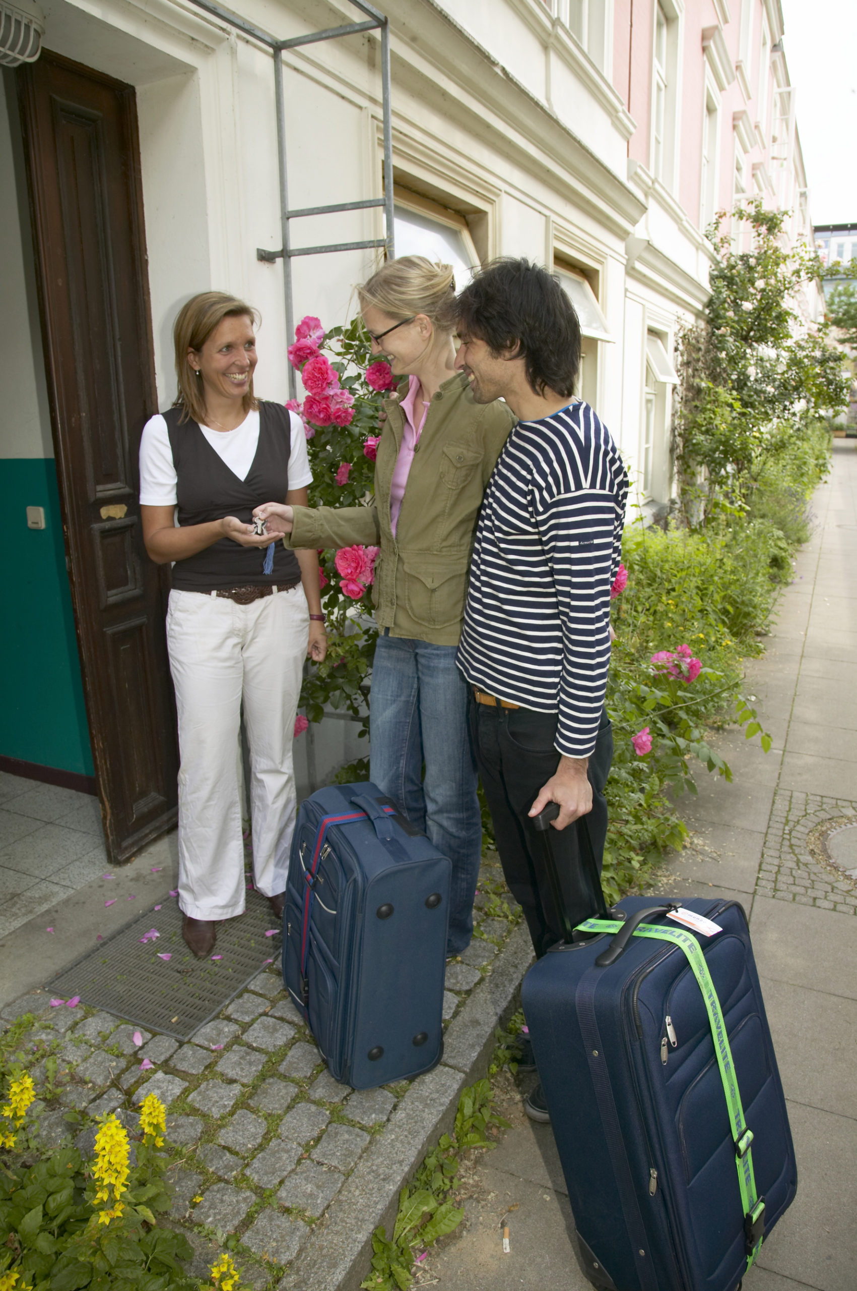 Sicher wohnen: Den Urlaub genießen – dank guter Nachbarn